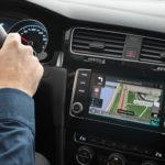 AppRadio oraz wzmacniacze w samochodach