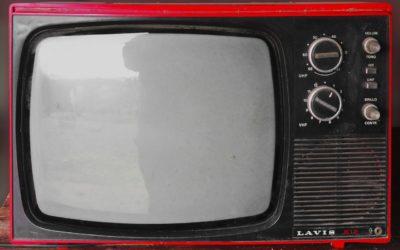 Samotny odsapnięcie przed tv, czy też niedzielne filmowe popołudnie, umila nam czas wolny ,a także pozwala się zrelaksować.